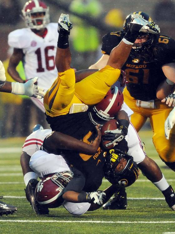 Alabama Lineman Body Slams Missouri RB