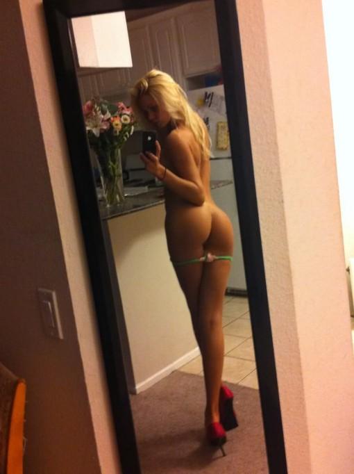 naked girl having sex orgasm